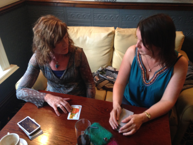 practicing-tarot-reading