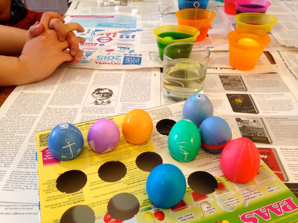 painting eggs 2